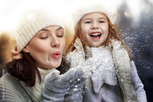 happy family - 74225166