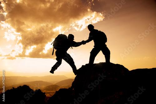 zirvede destek ve yardım - 74234721