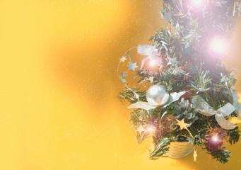 árbol de navidad iluminado
