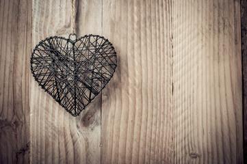 Coeur en métal tissé