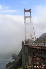 pont de San Francisco sous la brume
