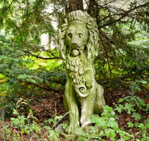 canvas print picture Lion sculpture in the Garden