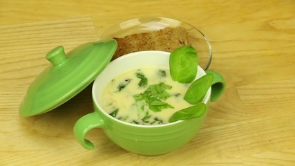 Сream soup with basil