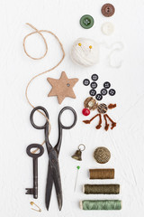 Threads, Buttons and Pins Christmas Set