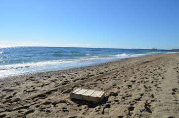 Kiste am Strand