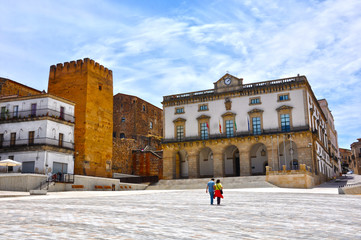 Ayuntamiento de Cáceres, Torre de la Hierba, Plaza Mayor