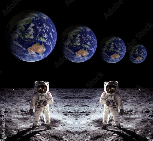 Astronauts Spaceman Moon Earth - 74299165
