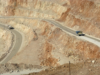 Dumper in Pilaroscia career fluxing limestone