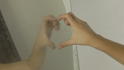 Vintage girl mirror hand heart CU LT