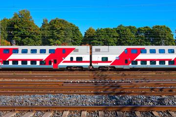 Double deck passenger train