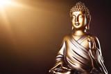 goldener Buddha im Licht