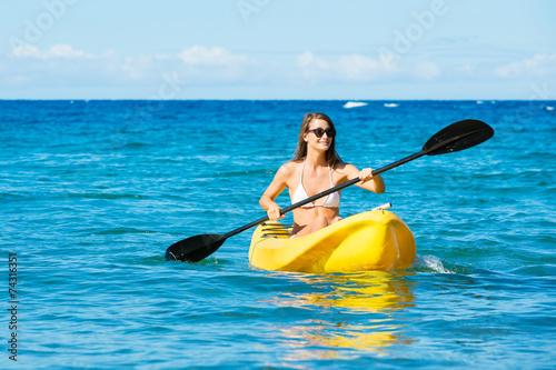 Foto op Aluminium Zeilen Woman Kayaking in the Ocean on Vacation
