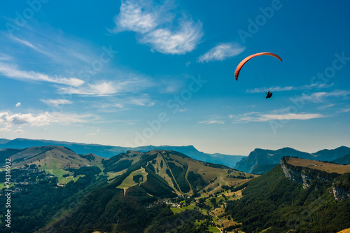 Foto op Plexiglas Luchtsport Paragliding on the sky
