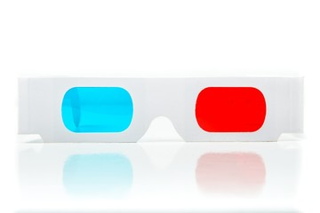 Pair of three dimensional glasses