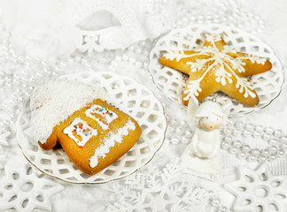 Christmas gingerbreads and white decor