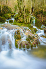 Cascada en la sierra de Entzia (España)