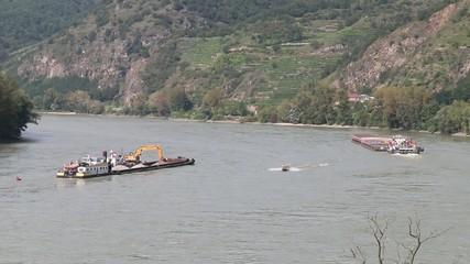 Donau - 001 - Schifffahrt