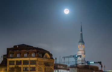 Full Moon over Hamburg