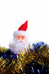 Babbo Natale in mezzo alle ghirlande gialle e blu, Natale