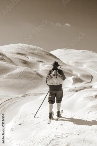Papiers peints Glisse hiver Sepia Vintage skier