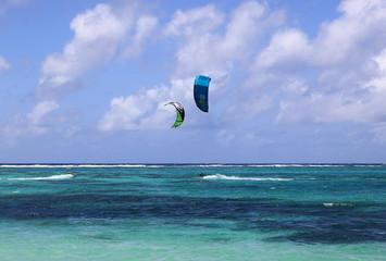 kitesurfeur sur l'océan indien