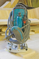 Electronic Plunge Router