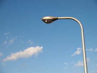銀色の街路灯