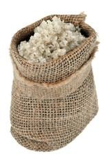 Gros sel dans un sac en toile de jute