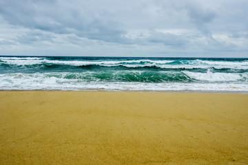 Plage mer déchainée