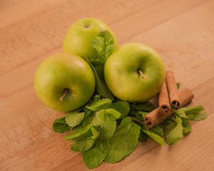 Apples and cinnamon with mint