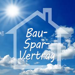 Haus mit Himmel und Bausparvertrag