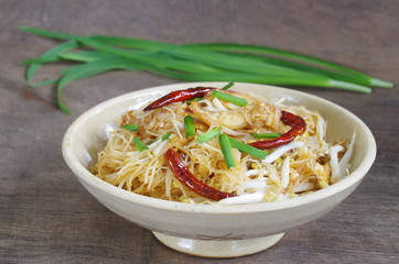 stir-fried rice vermicelli with Chinese chive