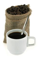 Tasse de café et sac de café en grains