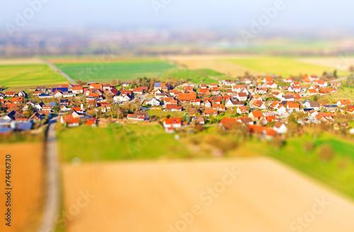 Dorf im Hohenlohischen - Tilt Shift Effekt - 74426730