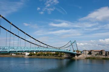 Le pont suspendu de Serrières
