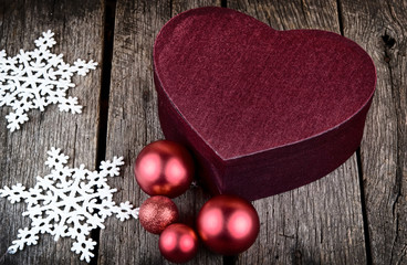 heart shape christmas present box