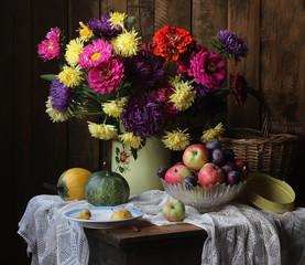 Цветы и плоды