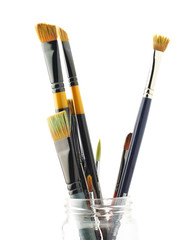 Multiple different brushes placed vertically