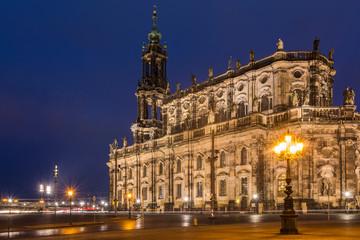 Dresdner Hofkirche im Abendlicht