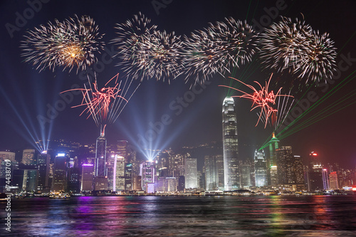 Staande foto Hong-Kong Fireworks Celebration at Hong Kong Victoria Bay