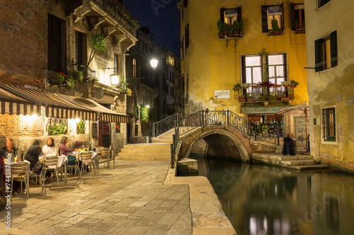 Fotobehang Venetie Night view of canal in Venice, Italy
