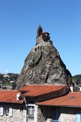 chiesa sulla roccia