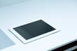 canvas print picture - Tablet Computer auf weißer Unterlage