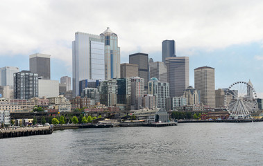 View of Seattle downtown & skyline