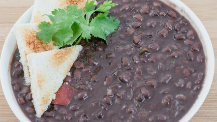 Cuban cuisine: Black Beans Soup