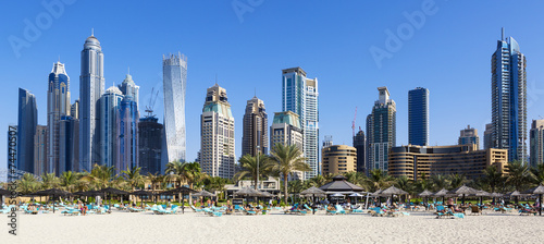 Aluminium Dubai Panoramic view of famous skyscrapers and jumeirah beach
