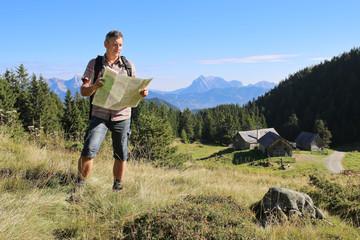 Wandern - 007 - Almhuette - Kartenleser - Boesenstein