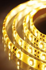 warmweißer LED-Streifen