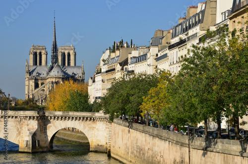 canvas print picture France, the picturesque city of Paris
