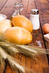 white bread, Kaiser roll